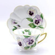 Vintage Shelley Pansy Scalloped Teacup & Saucer Fine Bone China England 13823   eBay