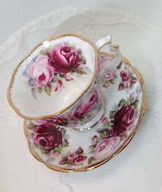 Royal Albert Bone China Teacup and Saucer, Summer Bounty Series, Ruby, Pink Roses, Mint Condition