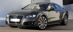 19 inch alloy wheels, engine 4.0 TFSI 420 hp V8, the Audi S7 Sportback goes on sale on the Italian market starting this summer. Large amounts of equipment as standard, is ready to win against BMW and Mercedes.
