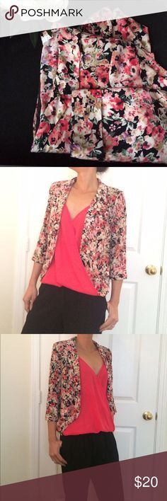 """Lush blazer EUC! Floral print blazer, padded shoulders, 3/4 sleeve are cuffed, double front faux pockets. Lightweight. 19"""" across underarm 19"""" long on back and 22.5"""" on front Lush Jackets & Coats Blazers"""