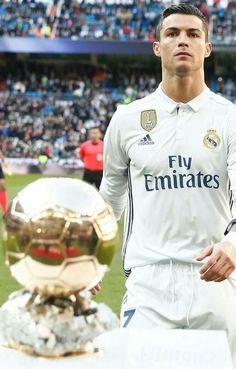 Want To Improve Your Soccer Skills? Cristiano Ronaldo Style, Cristino Ronaldo, Cristiano Ronaldo Juventus, Ronaldo Real Madrid, Ronaldo Football, Real Madrid Football, Best Football Players, Soccer Players, Cr7 Wallpapers