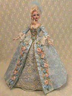 Toy dolls residences, anything from conventional wood-based houses to actually Barbie Dreamhouses. Barbie Gowns, Barbie Dress, Barbie Clothes, Victorian Dolls, Antique Dolls, Vintage Dolls, Barbie Torte, Barbie Et Ken, Barbie Doll