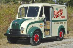 1965 DIVCO MILK TRUCK - Barrett-Jackson Auction Company - World's ...