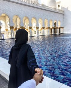 Abu Dhabi Sheikh Zayed Grand Mosque Beauty in black # peçe nikab kapalı çarşaf hicab hijab tesettür aşk çift tatil