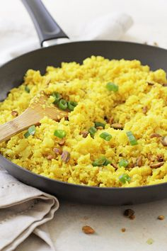 Shake up your side dish routine with this flavorful turmeric cauliflower rice! Simple, healthy and low in carbs, it's a great make-ahead recipe! Lactose Free Recipes, Best Vegetarian Recipes, Whole Food Recipes, Savoury Dishes, Food Dishes, Side Dishes, Turmeric Cauliflower, Cauliflower Rice, Side Dish Recipes