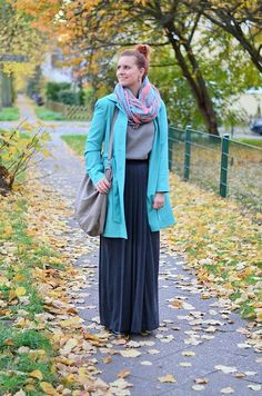 #outfit #look #mode #maxirock #maxiskirt #rock #skirt #trenchcoat #coat #trench #autumn #herbst #herbstlook #modeblog #fashion #fashionblog #redhair #redhead