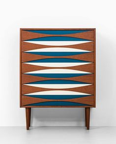 Chest of drawers designed by Arne Vodder in the 1950s. Photo: schalling.se
