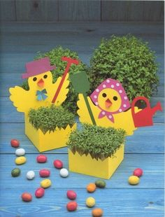 Cute Easter ideas from the paper! Kirigami chicken and rabbits for Easter ornaments and Easter cards. Easy Crafts, Diy And Crafts, Paper Crafts, Easter Arts And Crafts, Hama Beads Design, Diy Ostern, Classroom Projects, Spring Has Sprung, Happy Easter