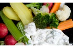 Olive-Parsley Dip with Crudités A creamy dip made with sour cream and mayo packed with chunky olives Thanksgiving Appetizers, Appetizers For Party, Thanksgiving Recipes, Party Dips, Vegetarian Appetizers, Appetizer Recipes, Olives, Cookout Food, Nutrition
