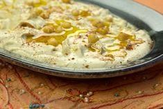 Το διάσημο χούμους της Μέσης Ανατολής, εύκολα κι απλά με την ευθεμτική συνταγή και σε βίντεο Nicoise, Tasty Videos, Greek Recipes, Hummus, Greece, Starters, Greece Country, Greek Food Recipes, Grease