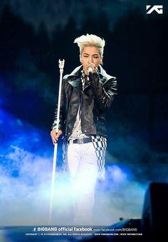 Taeyang <3<3<3<3 Oh how I love this shot!!!! Soooo Much!!!! His eyesss! His outfittt! His bodyyy! Just eveythinggg!!!! BIGBANG JAPAN DOME TOUR 2013 (Fukuoka YahooOku! Dome)