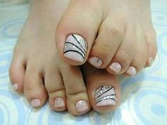Resultado de imagem para unhas dos pés decoradas com flores passo a passo