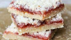 Holms snitter - hindbærsnitter med kant og smag er en lækker opskrift af Claus Holm fra Go' appetit med Claus Holm, se flere dessert og kage på mad.tv2.dk