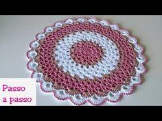 SOUSPLAT DE CROCHÊ NAPOLITANO passo a passo - YouTube Hand Embroidery Patterns Flowers, Crochet Motif Patterns, Crochet Chart, Filet Crochet, Baby Knitting Patterns, Crochet Designs, Crochet Placemats, Crochet Doilies, Crochet Hot Pads