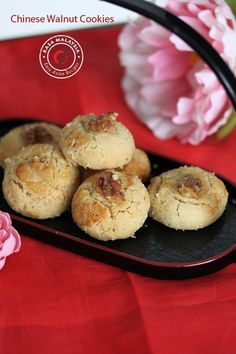 """Walnut cookies - """"Hup Toh Soh"""" is a Chinese cookie made of walnut which is crispy & crumbly. Easy walnut cookies recipe, great for Chinese New Year! Walnut Cookie Recipes, Walnut Cookies, Almond Cookies, New Year's Desserts, Asian Desserts, Delicious Desserts, Chinese Desserts, Biscuit Cookies, Biscuit Recipe"""