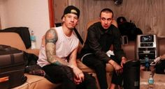 "twenty one pilots libera bastidores do clipe de ""Heavydirtysoul"" #Banda, #Clipe, #Filme, #M, #Música, #Noticias, #Novo, #NovoSingle, #Single, #Youtube http://popzone.tv/2017/02/twenty-one-pilots-libera-bastidores-do-clipe-de-heavydirtysoul.html"