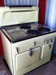 "1950s CHAMBERS RANGE - ""Cook with the gas OFF!"""