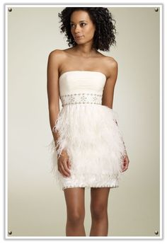 Short cocktail Wedding Dress with Feathers #wedding #bride