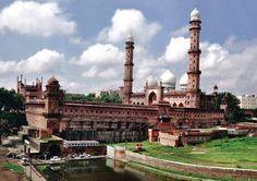 Taj ul Mosque – Bhopal, India