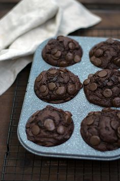Ultimate Double Chocolate Muffins! No butter, with coconut oil, perfect for…