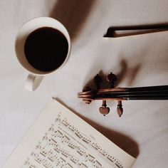 Music Photography Violin Ideas For 2019 Violin Tumblr, Cello, Saxophone, Violin Photography, Fotos Do Instagram, Music Aesthetic, The Infernal Devices, Classical Music, Ukulele