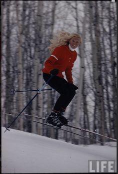 1971 skiing Aspen http://www.retronaut.co