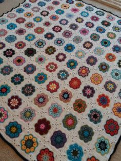 African Flower Square Blanket 2018 African Flowers, Square Blanket, Plaid, Quilts, Crochet, Instagram Posts, Home Decor, Gingham, Decoration Home