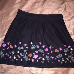 """Like New Ann Taylor Loft black/floral skirt Like New Ann Taylor Loft black/floral skirt. Side zip. 18 1/2 """" from waist to hem. Item# 262 LOFT Skirts Midi"""