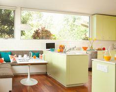 retro/modern kitchen. gaaaahhhhh!!!