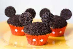 Mickey cupcakes con orejitas de Oreo - Recetín