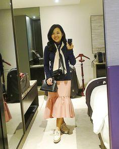 LOUIS VUITTON Alma BB Epi leather black bag | TOPSHOP oxford platform shoes | ASOS mermaid skirt | instagram: @quennandher | https://instagram.com/quennandher