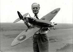 Sir Douglas Bader with a remote controlled spitfire in 1982: A hero to most of his men, Bader flew with 222 Squadron ahead of the Dunkirk evacuation Fighter Pilot, Fighter Jets, Douglas Bader, Automobile, The Spitfires, Supermarine Spitfire, Battle Of Britain, Ww2 Aircraft, Rc Model
