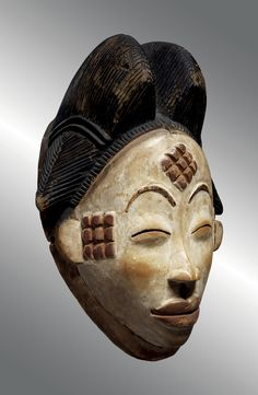 Bid in-person or online for the upcoming auction:Art of Africa Masterworks on 14 May 2019 at New York High Cheekbones, Henna Mandala, Contemporary African Art, Flat Nose, African Masks, Ocean Art, Op Art, Body Painting, Art