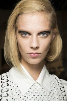 "Faux bob, you don""t wanna go to the hairdresser, make your own bob with clips. #hairinspiration, blonde, bob"