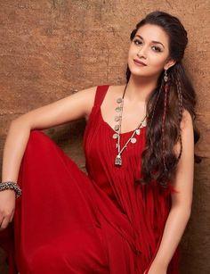 Actress Keerthy Suresh Glam HD Photoshoot Stills Beautiful Girl Indian, Most Beautiful Indian Actress, Beautiful Actresses, Simply Beautiful, Beautiful Women, Beauty Movie, Photoshoot Pics, Tamil Actress Photos, Stylish Girl Pic