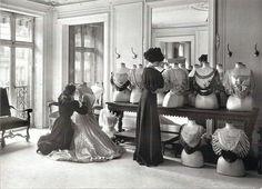 historiful:    edwardianera:    Women adjusting various shirtwaists, designed by House of Worth, c. 1907.