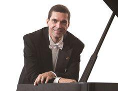 Pianista da Ospa apresenta quatro Improvisos, quatro Scherzi e quatro Baladas do compositor polonês.