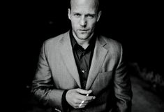 Actor Jason Statham photographed by Randall Slavin. Jason Statham has done quite a lot in a short time. He has been an Olympic Diver on the. Jason Statham, Last Action Hero, People Smoking, The Expendables, Tough Guy, James Mcavoy, Raining Men, Charles Bukowski, Monica Bellucci