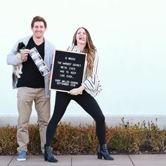 10 Awesome Letterboard Pregnancy Announcements It's so we like to use letterboards for just about everything, including telling the world our baby news! Not going to lie, we kinda love this trend and we hope it sticks around for a bit. 5 Weeks Pregnant, Pregnant Mom, Pregnancy Announcement Photos, Pregnancy Info, Twin Baby Announcements, Pregnancy Belly, Pregnancy Workout, Funny Pregnancy Pictures, Baby Number 2 Announcement