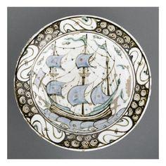 Plat à décor de bâteau à 3 mâts - Musée national de la Renaissance (Ecouen)