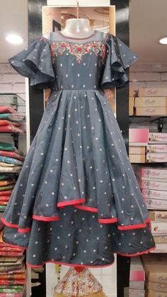 Frocks For Girls, Gowns For Girls, Dresses Kids Girl, Long Frocks For Kids, Kids Dress Wear, Kids Gown, Baby Dress, Kids Wear, Dress Neck Designs