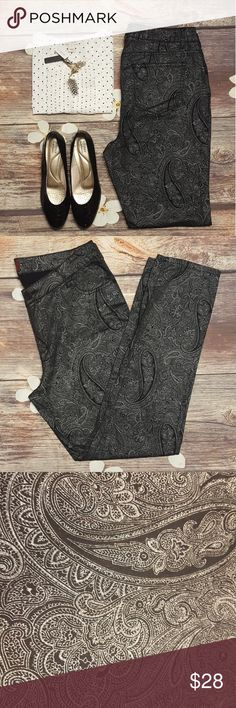 One5one paisley print pants Size 12 Waist 33 Rise 10 Inseam 29 Length 40  Bundle 2 or more items and save 10% 🤗 one5one Pants