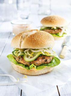 RICARDO | Turkey Burgers with Sriracha Mayonnaise