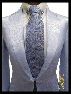 Without the normal vest, it's rather striking Horse Show Clothes, Horse Riding Clothes, Equestrian Fashion, Equestrian Outfits, Equestrian Style, Barrel Racing Saddles, Barrel Racing Horses, Reptile Cage, Reptile Enclosure
