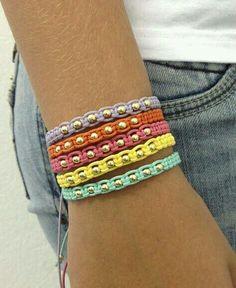 Pin on bijoux Diy Bracelets Easy, Bracelet Crafts, Braided Bracelets, Macrame Bracelets, Jewelry Crafts, Friendship Bracelets, Hemp Jewelry, Macrame Jewelry, Handmade Jewelry