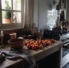 Décor de Provence Dining Area, Kitchen Dining, Kitchen Armoire, Rustic Kitchen, Rustic Farmhouse, French Country Kitchens, Slow Living, Country Life, Country Living