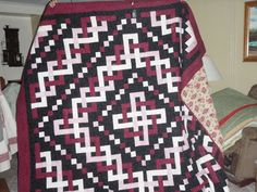 Beautiful Trinity Celtic knot quilt