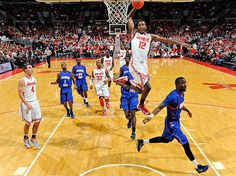 Sam Thompson soars for a dunk during Wednesday's Ohio...