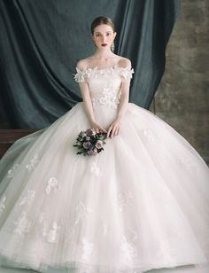 New dress white princess wedding gowns 53 Ideas Dream Wedding Dresses, Bridal Dresses, Wedding Gowns, Snow White Wedding Dress, Ivory Wedding, Princess Wedding, Beautiful Gowns, Dream Dress, Pretty Dresses