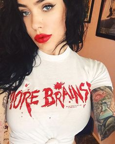 @michelinepitt     When your busy AF hustling and have no time to brush your hair, but you always make time to brush your brows.  #returnofthelivingdead #morebrains #michelinepitt